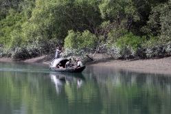 Łódź rybacka w delcie Gangesu, fot. Paweł Wroński