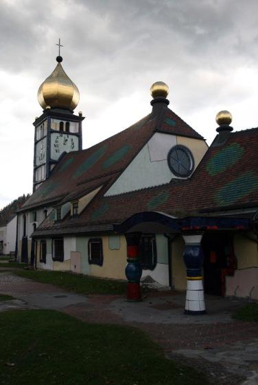 Barnbach-kosciol-Hndertwassera_8813