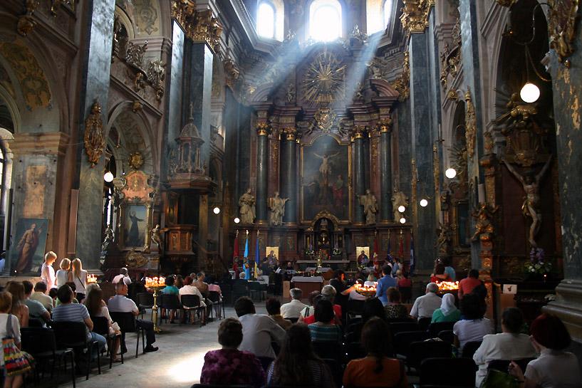 Lwów, wnętrze katedry rzymskokatolickiej, fot. Paweł Wroński
