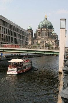 Berlin, Szprewa przy Nikolaiviertel, fot. Paweł Wroński