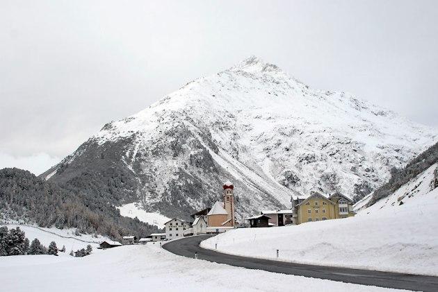 Ventertal, w tle: Talleitspitze (3407 m) fot. Paweł Wroński