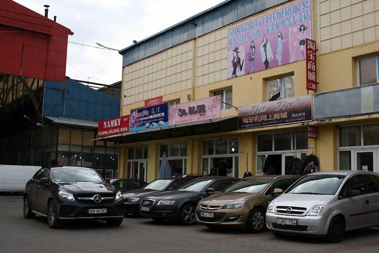 Budapeszt Chinatown, jak określa się zdominowaną przez przybyszów z Dalekiego Wschodu rozległą strefę handlu w ósmej dzielnicy - Józsefvárosi piac, fot. Paweł Wroński