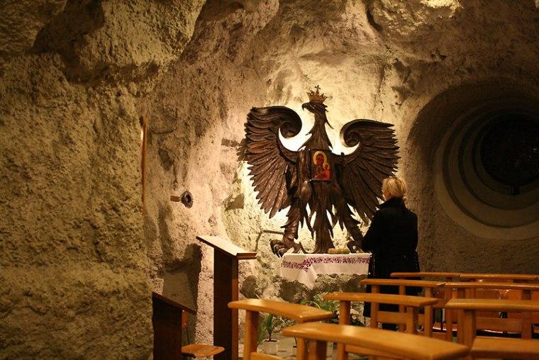 Kościół pod opieką paulinów, w skalnej grocie w skłonie Wzgórza Gellerta, fot. Paweł Wroński
