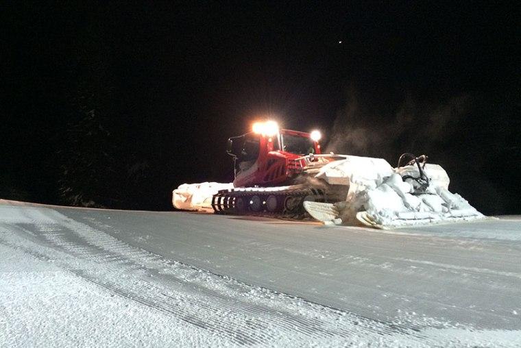 Wieczorne preparowanie tras w Obereggen, fot. Paweł Wroński