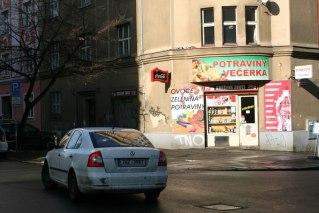 Sklep spożywczy, przy jednej z ulic na Žižkovie, fot. Paweł Wroński