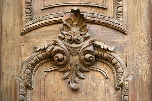 Detal drzwi kamienicy z Vinohradów, fot. Paweł Wroński