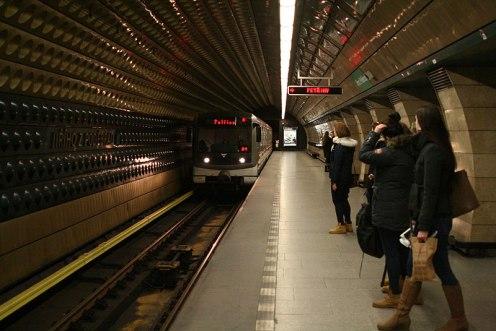 Stacja metra pod Placem Jerzego z Podiebradów na praskich Vinohradach, fot. Paweł Wroński