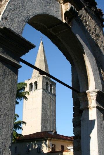 XVI-wieczna dzwonnica poreckiej bazyliki, fot. Paweł Wroński