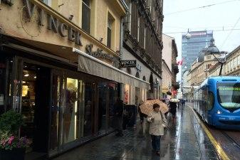 Nawet jeśli jest zimno i pada deszcz, cukiernie Vincek zapraszają Zagrzebian, fot. Paweł Wroński