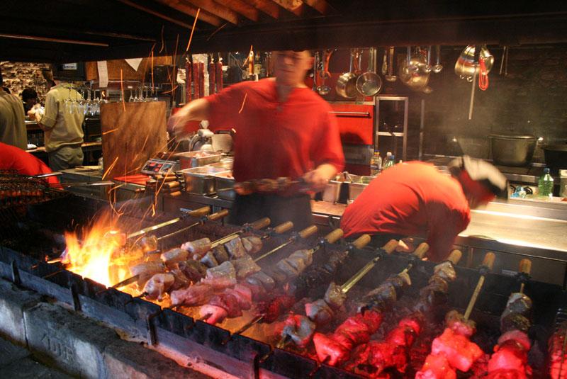 Trzeba oddać sprawiedliwość - mięsa nie brakuje (grill restauracji Mięso i Sprawiedliwość), fot. Paweł Wroński