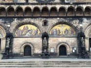 Fasada katedry św. Piotra - dolne partie, fot. Paweł Wronski