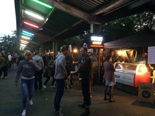 Warszawa Główna. Piątek. 15 lipca 2016. Nocny Market , fot. Paweł Wroński