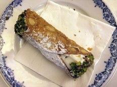 Cannolo - typowe sycylijskie ciastko (w duuuużej wersji), fot. Paweł Wroński