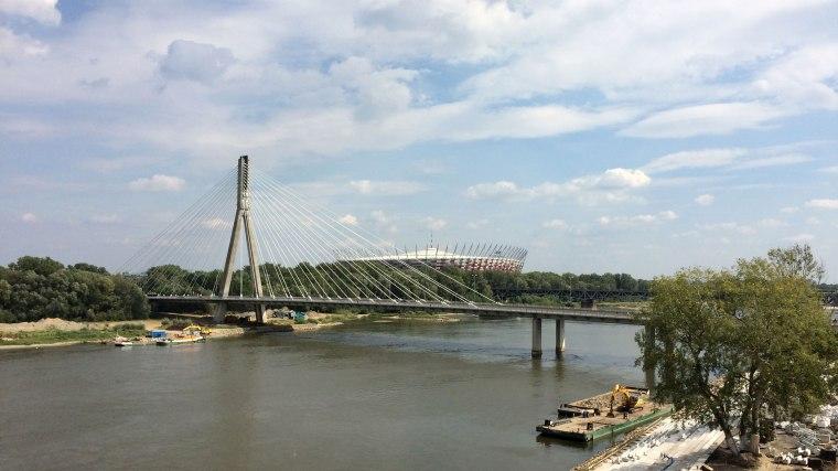 Widok z ogrodów na dachu CNK na Wisłę, Most Świętokrzyski i Stadion Narodowy, fot. Paweł Wroński