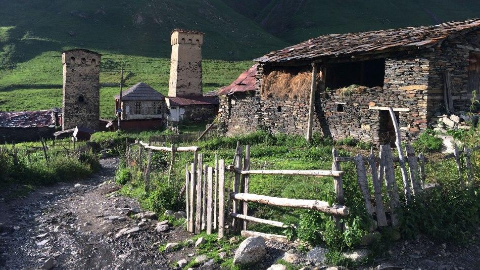 Uszguli, mieszkalne wieże stanowiły od średniowiecza schronienie na wypadek niebezpieczeństwa, fot. Paweł Wroński