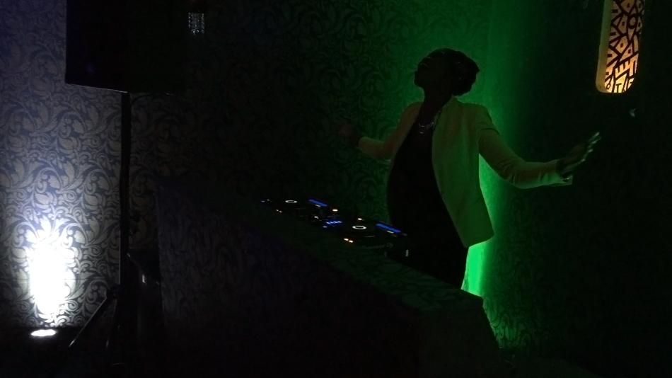 Czarnoskóra DJ-ka Cambel Nomi z Berlina, fot. Paweł Wroński
