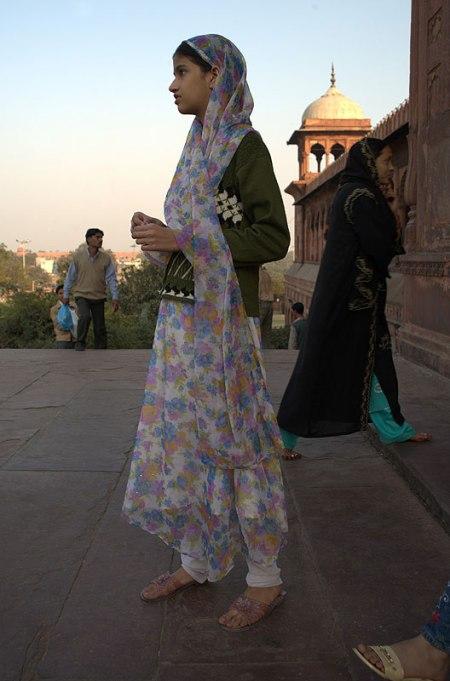 Przed Wielkim Meczetem w Delhi, fot. Paweł Wroński