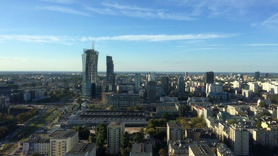 Warsaw Spire jest nieco odsunięty od skupiska otaczających PKiN wieżowców warszawskiego Manhattanu, fot. Paweł Wroński