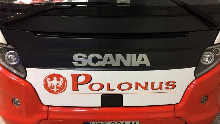 Autokar Scania w barwach Polonusa, fot. Paweł Wroński