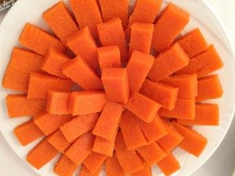 Marchewka z sokiem pomarańczowym, spreparowane w formie zdrowych, ekologicznych słodyczy, fot. Paweł Wroński
