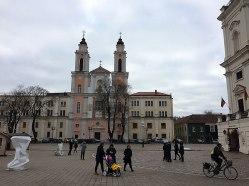 Kolegiata jezuicka w pierzei kowieńskiego rynku, fot. Paweł Wroński
