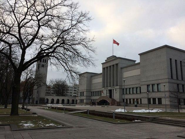 Modernistyczny gmach, dziś Muzeum Wojskowe im. Witolda Wielkiego, fot.Paweł Wroński