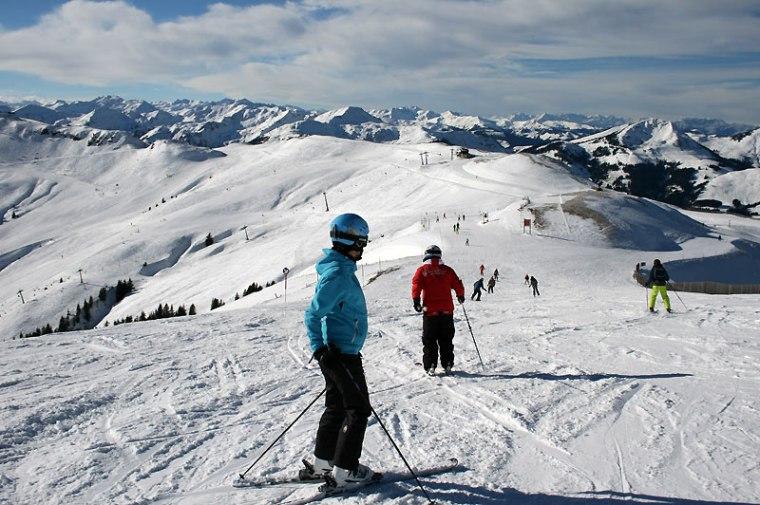 Miasteczko otacza rozległy teren narciarski - łącznie ponad 170 km tras o róznym stopniu trudności; wszystkie we wspaniałej scenerii, fot. Paweł Wroński