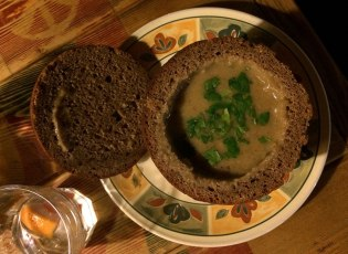 Zupa w chlebie razowym, fot. Paweł Wroński