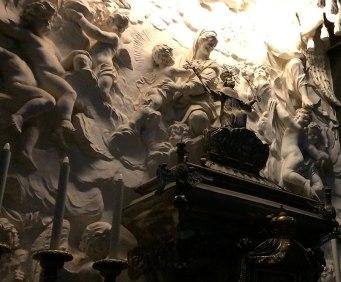Stiuki nad relikwiarzem św. Kazimierza, fot. Paweł Wroński