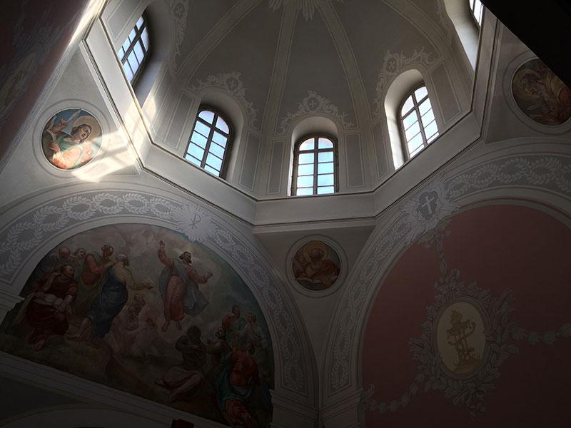 Prezbiterium zboru ewangelicko-augsburskiego Wniebowstąpienia Pańskiego w Warszawie, fot. Paweł Wroński