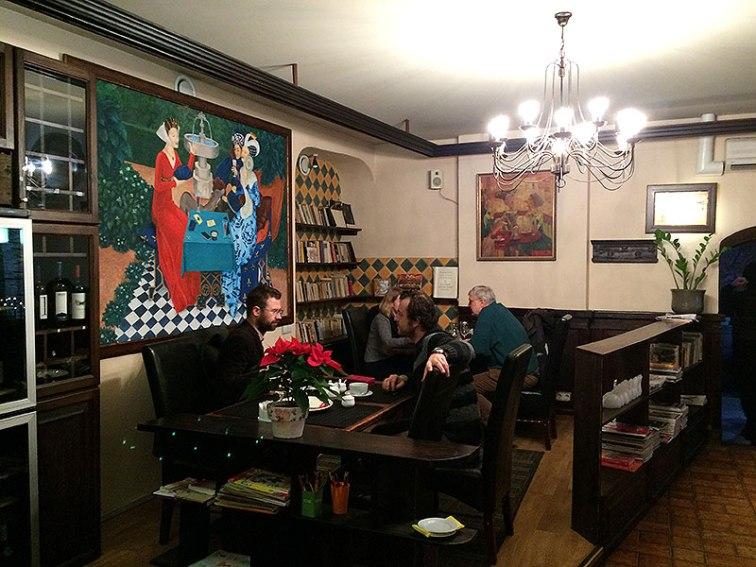 """Restauracja """"Aula"""", w której zwyczajowo spotykają się członkowie akademickiej społeczności, fot. Paweł Wroński"""