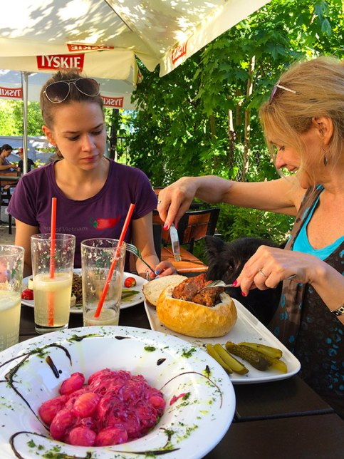 Zmora też uwielbia tę kuchnię, fot. Paweł Wroński
