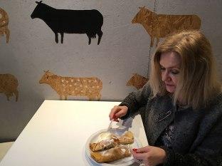 W mlecznym barze w Al. Jerozolimskich 30, fot. Paweł Wroński