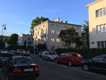 Modernistyczne budynki Saskiej Kępy, poddane renowacji na przełomie stuleci, tworzą klimat tej historycznej styolecznej dzielnicy, fot. Paweł Wroński