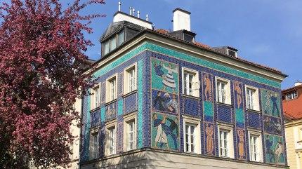 Mozaiki na kamienicy przy Mostowej wykonane przez zespół Zofii Czarnockiej-Kowalskiej w latach 1956-1960, fot. Paweł Wroński