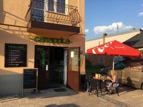 """A wreszcie """"Canappka"""", gdzie królują soki i sałatka, fot. Paweł Wroński"""