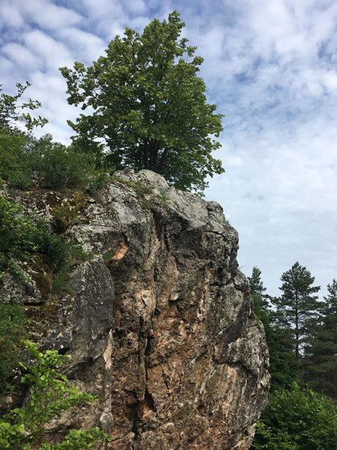 Efektowna wychodnia skalna na Górze Zelejowej, fot. Paweł Wroński