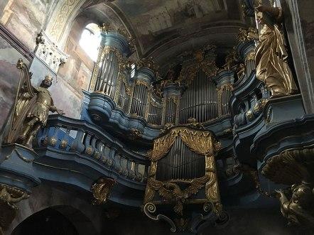 Prospekt organowy w kościele opactwa, fot. Paweł Wroński