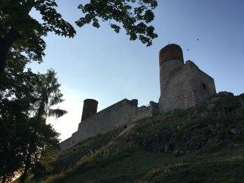 Zamek Królewski w Chęcinach widziany z południowego stoku, fot. Paweł Wroński