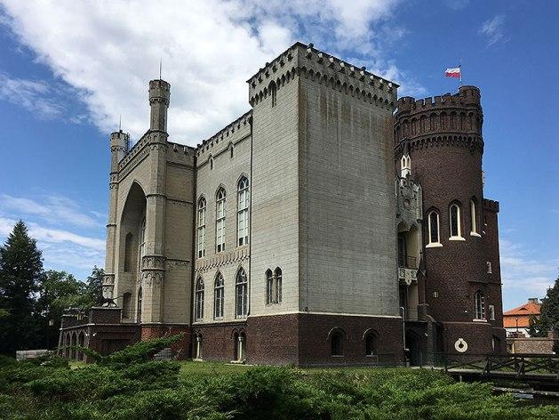 Zamek w Kórniku wznosi się na wysepce, fot. Paweł Wroński