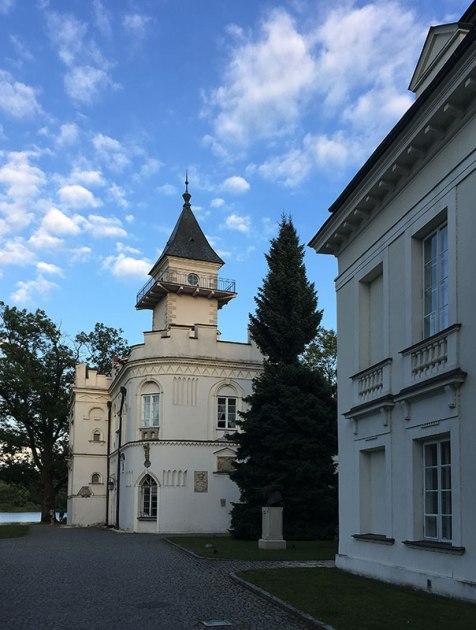 Pałac w Radziejowicach obecny wygląd zawdzięcza Jakubowi Kubickiemu, fot. Paweł Wroński