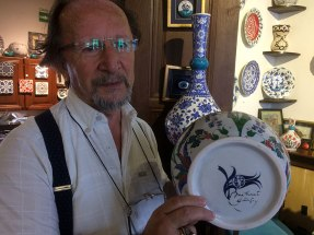 Mehmet Gursoy - wybitny malarz, dekorator ceramiki z Kutahyi, fot. Paweł Wroński