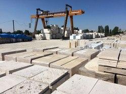 Strefa przerobu bloków w płyty i galanterię z marmuru znajduje się przy głownej frygijskiej drodze, wiodącej z Afyonkarahisaru do Ankary, fot. Paweł Wroński