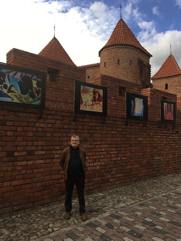 Jerzy Lassota i reprodukcje jego obrazów, fot. Paweł Wroński