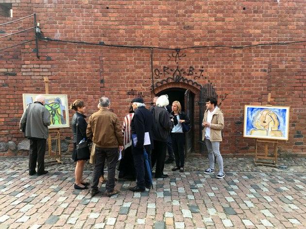 Artbarbakan * Jerzy Lassota, wystawa na murach Barbakanu, fot. Paweł Wroński