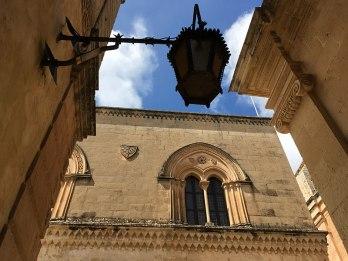 Architektura budowli w Mdinie nosi ślady różnych stylów, fot. Paweł Wroński