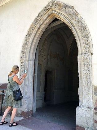 Gotycki portal z roślinnym ornamentem, zabytek późnogotycki, fot. Paweł Wroński