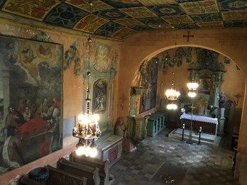 Wnętrze starego kościoła w Sulisławicach, fot. Paweł Wroński
