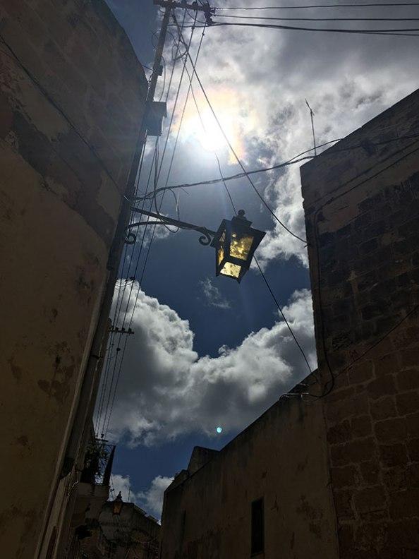 W zaułkach Victorii na maltańskiej wyspie Gozo, fot. Paweł Wroński
