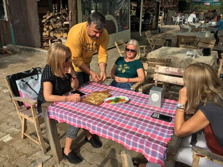 """Przydrożna restauracja """"Konak Gözleme"""" w Beldibi, Turcja, fot. Paweł Wroński"""